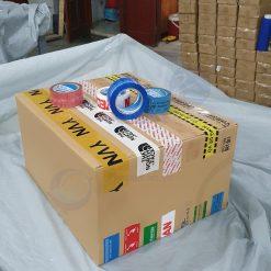 băng dính in logo dán trên thùng carton