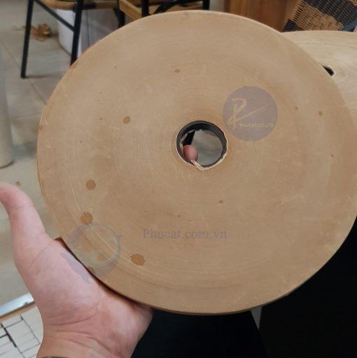 Băng dính giấy da bò vuốt nước 12mm x 500 mét (2)